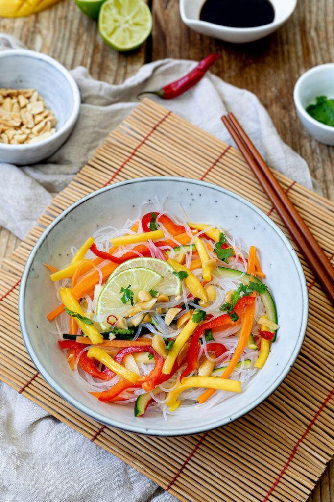 Asiatischer Salat mit Glasnudeln und Mango nach einem Rezept von Sweets & Lifestyle®