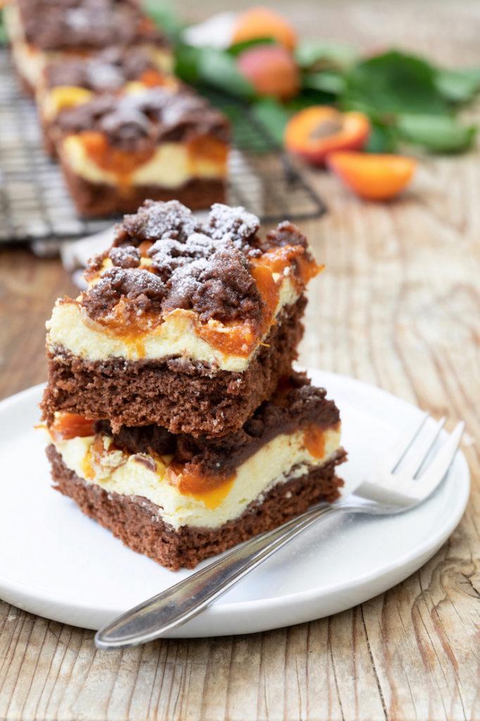 Leckerer Schoko-Marillenkuchen mit Schokostreusel nach einem Rezept von Sweets & Lifestyle®️️