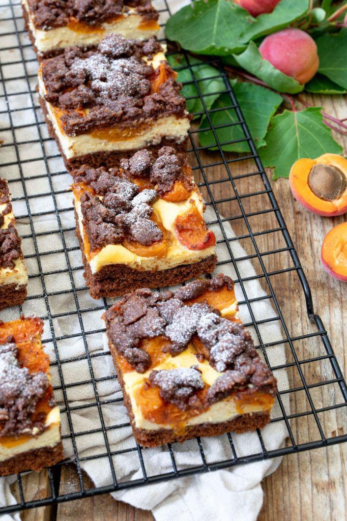 Einfacher Schoko-Marillenkuchen mit Streusel vom Blech nach einem Rezept von Sweets & Lifestyle®️️
