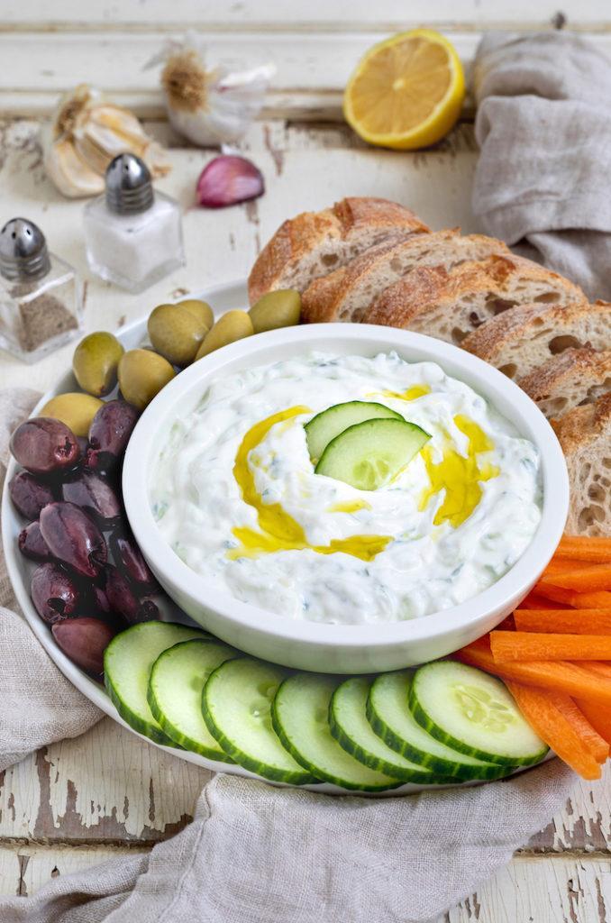 Leckeres Tzatziki mit griechischem Joghurt nach einem Rezept von Sweets & Lifestyle®