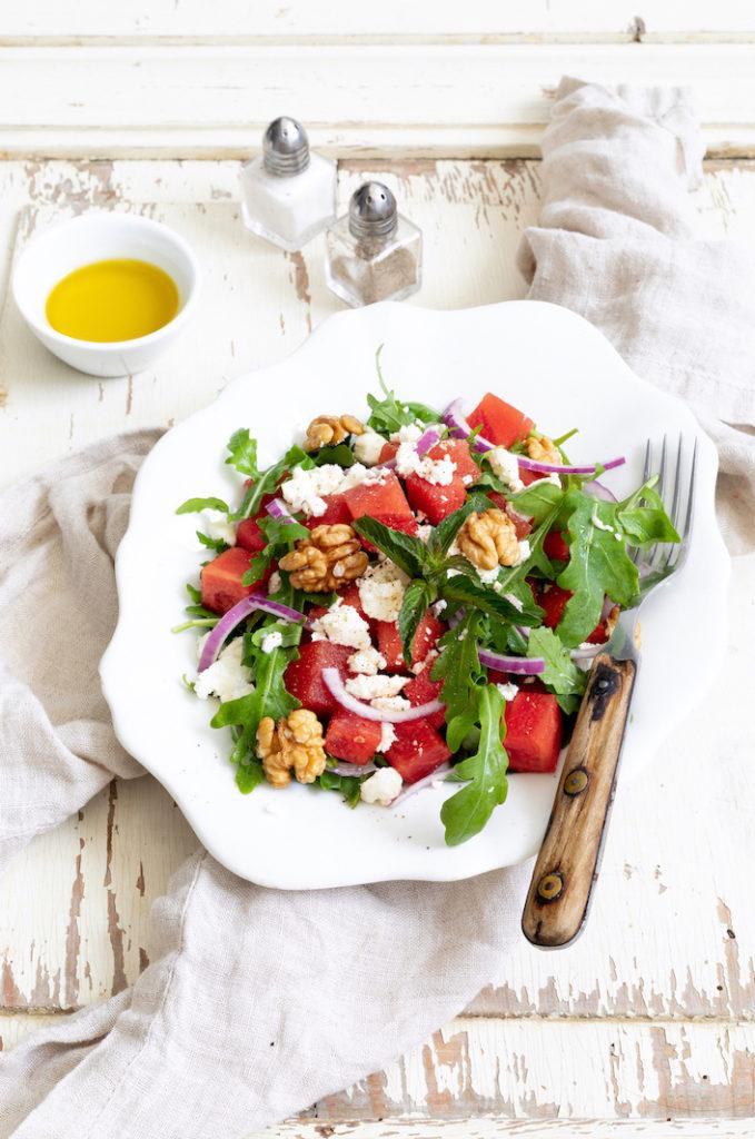 Wassermelonen-Feta-Salat mit Rucola und Walnüssen nach einem Rezept von Sweets & Lifestyle®