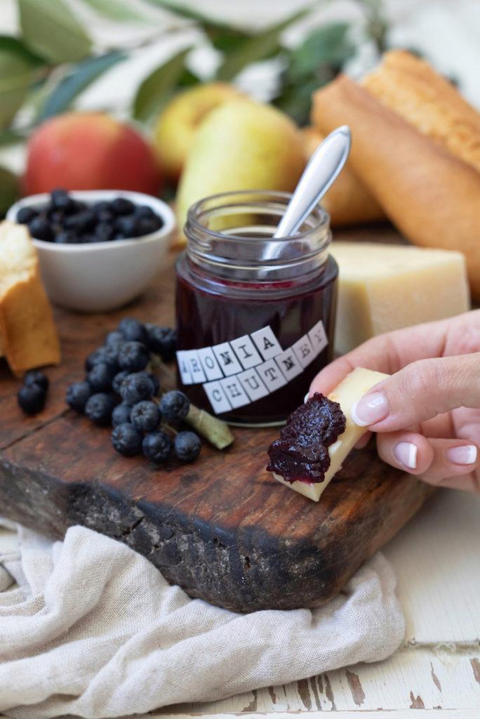 Würziges fein herbes Aronia-Apfel-Chutney nach einem Rezept von Sweets & Lifestyle®
