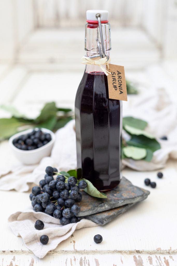 Einfaches Aronia Sirup Rezept von von Sweets & Lifestyle®