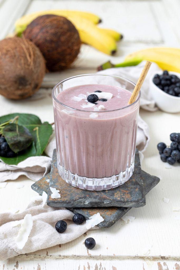Aronia Smoothie mit Kokosmilch gemacht nach einem Rezept von von Sweets & Lifestyle®