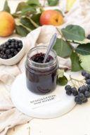 Leckere Aroniamarmelade mit Birne nach einem Rezept von Sweets & Lifestyle®