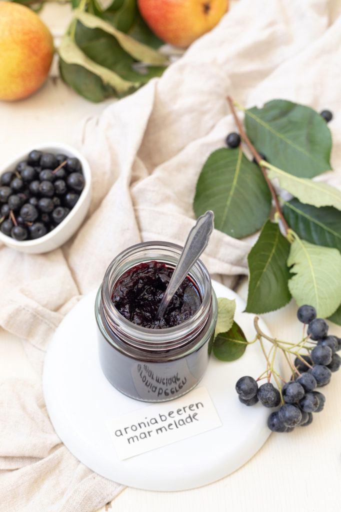 Marmelade aus Aroniabeeren und Birnen nach einem Rezept von Sweets & Lifestyle®