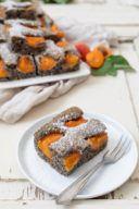 Schneller Mohnkuchen mit Marillen nach einem Rezept von Sweets & Lifestyle®
