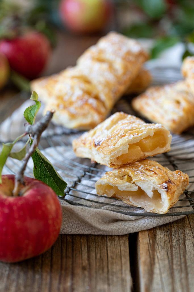 Leckere Apfeltaschen aus Blätterteig nach einem Rezept von Sweets & Lifestyle®