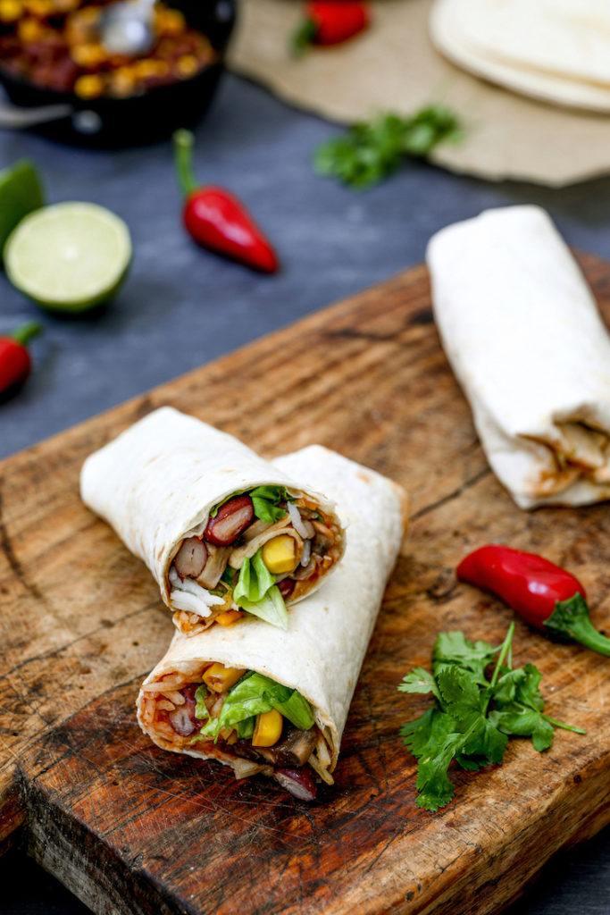Vegetarische Burritos mit Reis Champignons und Bohnen gefüllt nach einem Rezept von Sweets & Lifestyle®