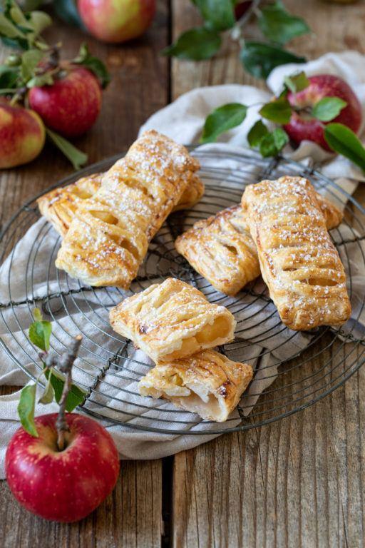 Einfaches Apfeltaschen Rezept von Sweets & Lifestyle®.jpg