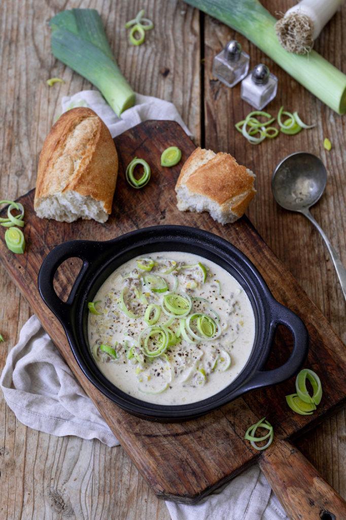 Leckere Käse-Lauch-Suppe mit Faschiertem nach einem Rezept von Sweets & Lifestyle®