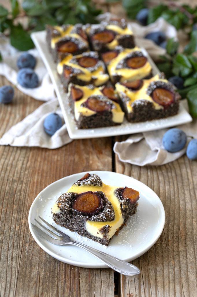 Leckerer Mohnkuchen mit Zwetschken nach einem Rezept von Sweets & Lifestyle®