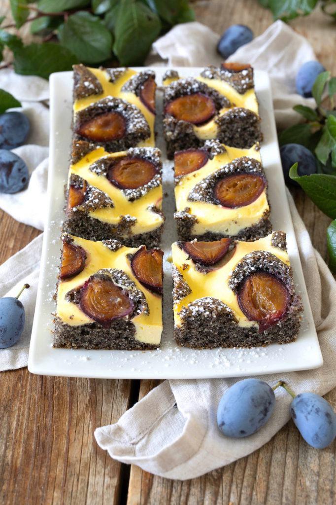 Mohnkuchen mit Zwetschken vom Blech nach einem Rezept von Sweets & Lifestyle®