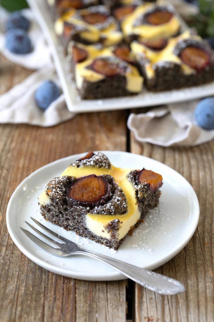 Schneller Mohnkuchen mit Zwetschen nach einem Rezept von Sweets & Lifestyle®