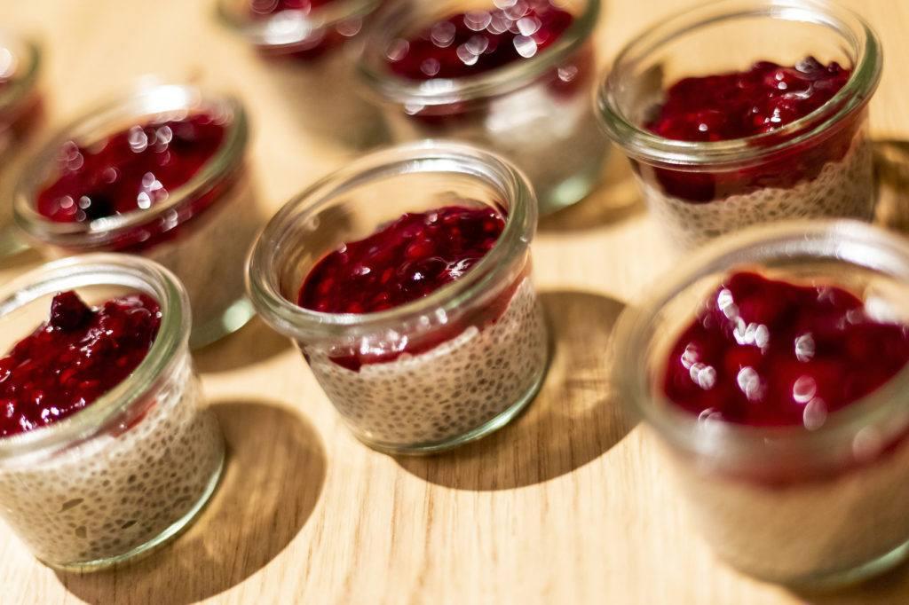 Koko Chia Pudding zubereitet mit Shan' Shi Kokosmilch