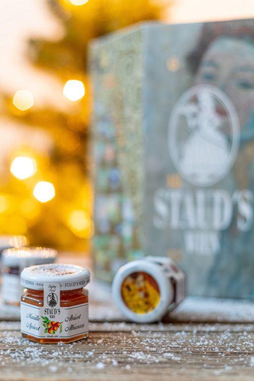 24 Gläser Marmeladen und Chutneys im Staud's Adventkalender 2019