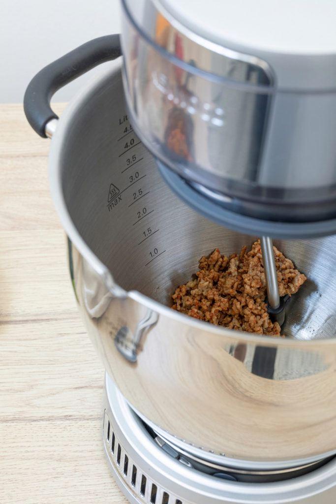 Faschiertes anbraten für den Kürbiseintopf mit Bohnen und Faschierten von Sweets & Lifestyle® im Kenwood Cooking Chef