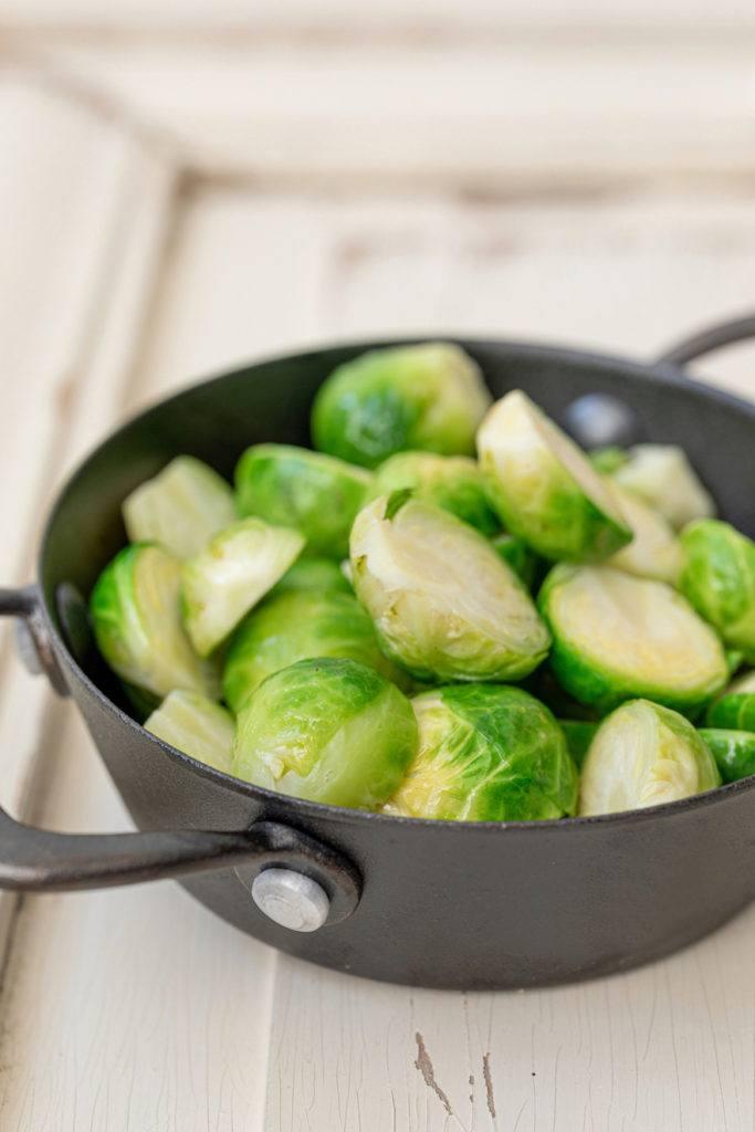 Im Backofen gebackener Rosenkohl nach einem Rezept von Sweets & Lifestyle® als leckere Beilage zu Fleischgerichten