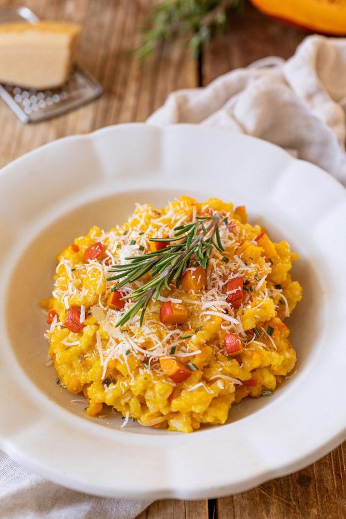 Leckeres Kürbisrisotto mit Parmesan und Rosmarin verfeinert nach einem Rezept von Sweets & Lifestyle®