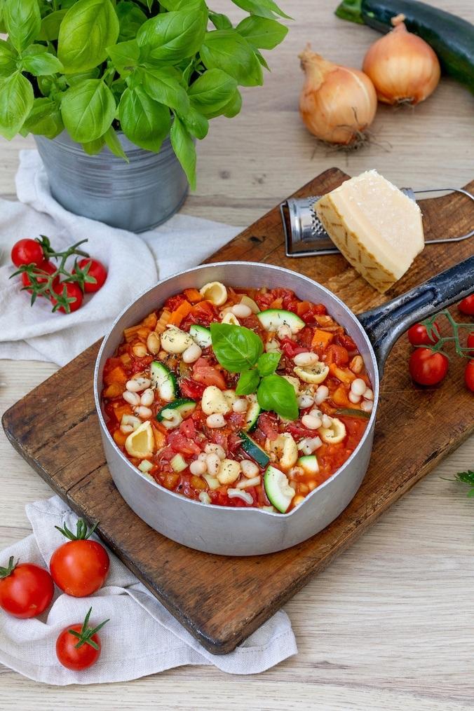Vegetarische Minestrone nach einem Rezept von Sweets & Lifestyle®