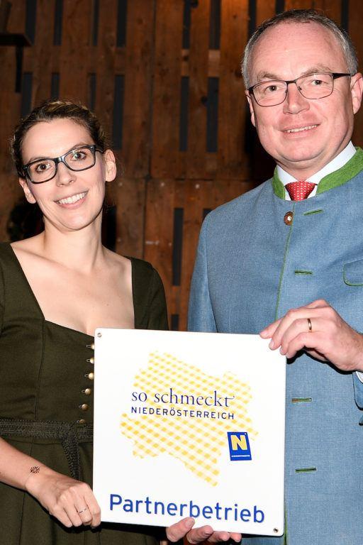 Verena Pelikan mit Sweets & Lifestyle by Verena Pelikan als So schmeckt Niederösterreich Partnerbetrieb ausgezeichnet