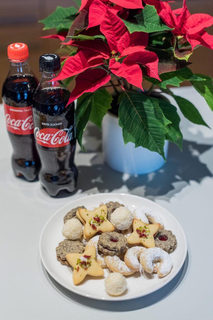 Cranberry Pistazien Kekse am Weihnachtskekse-Teller beim Coca-Cola-Backworkshop mit Verena Pelikan von Sweets & Lifestyle®