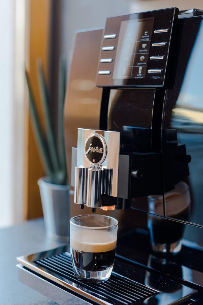 Espresso aus dem JURA Z6 Kaffeevollautomat von Sweets & Lifestyle®