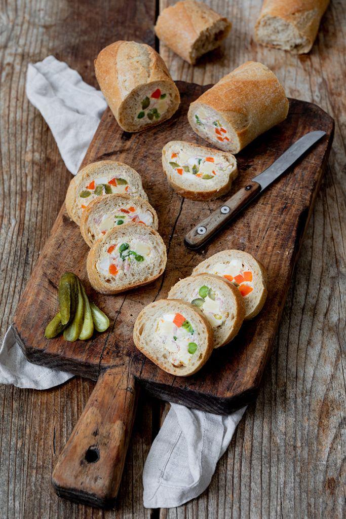 Gefülltes Baguette als Fingerfood serviert von Sweets & Lifestyle®