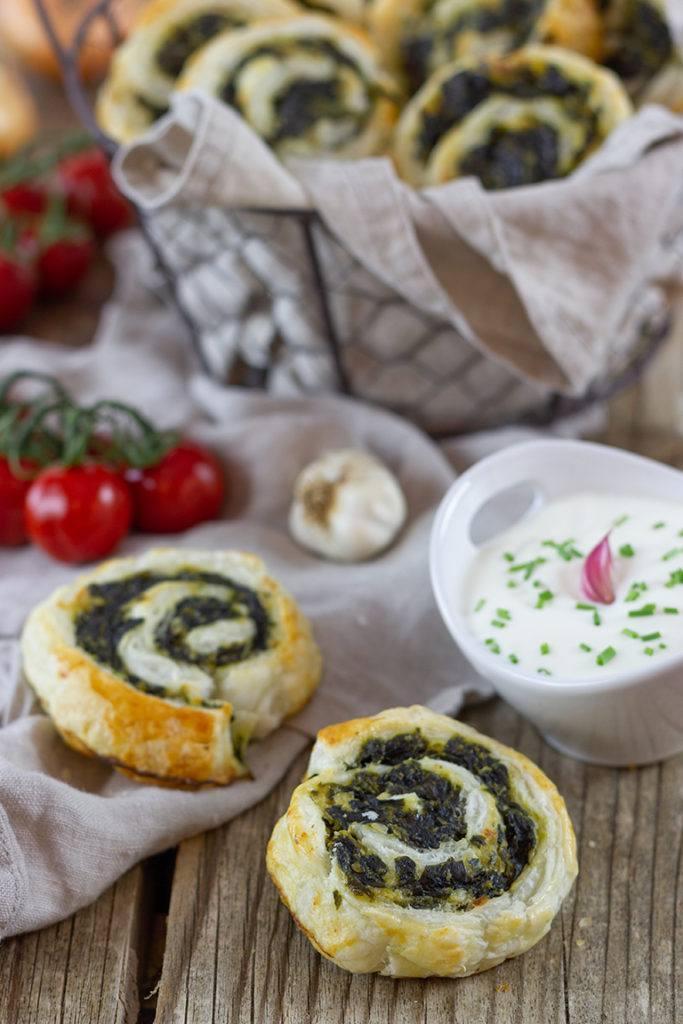 Blätterteigschnecken mit Spinat und Feta nach einem Rezept von Sweets & Lifestyle®