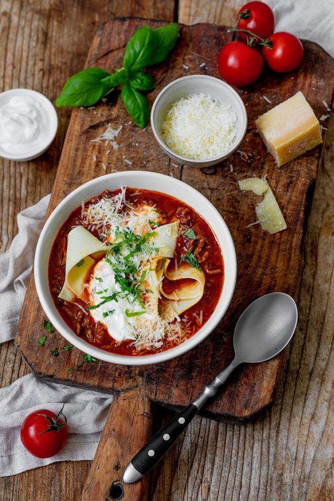 Leckere Lasagne Suppe als Partysuppe nach einem Rezept von Sweets & Lifestyle®
