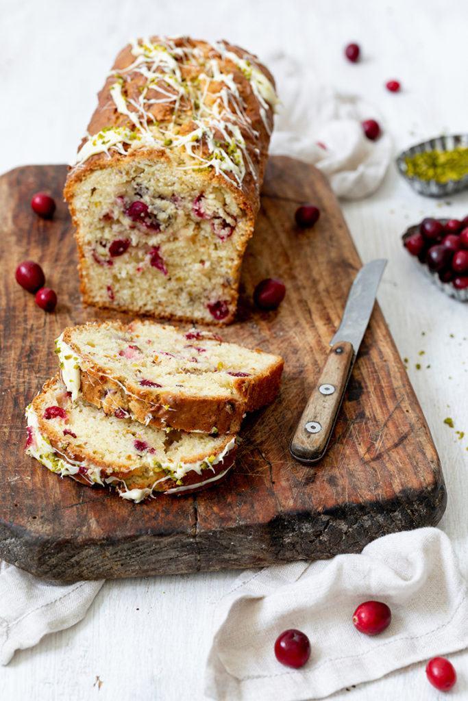 Leckerer Cranberry Pistazien Kuchen nach einem Rezept von Sweets & Lifestyle®