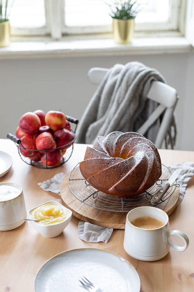 Leckeres Apfelmus Gugelhupf Rezept von Sweets & Lifestyle®