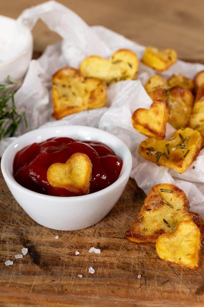 Knusprige Braterdäpfel in Herzform aus dem Backofen nach einem Rezept von Sweets & Lifestyle®