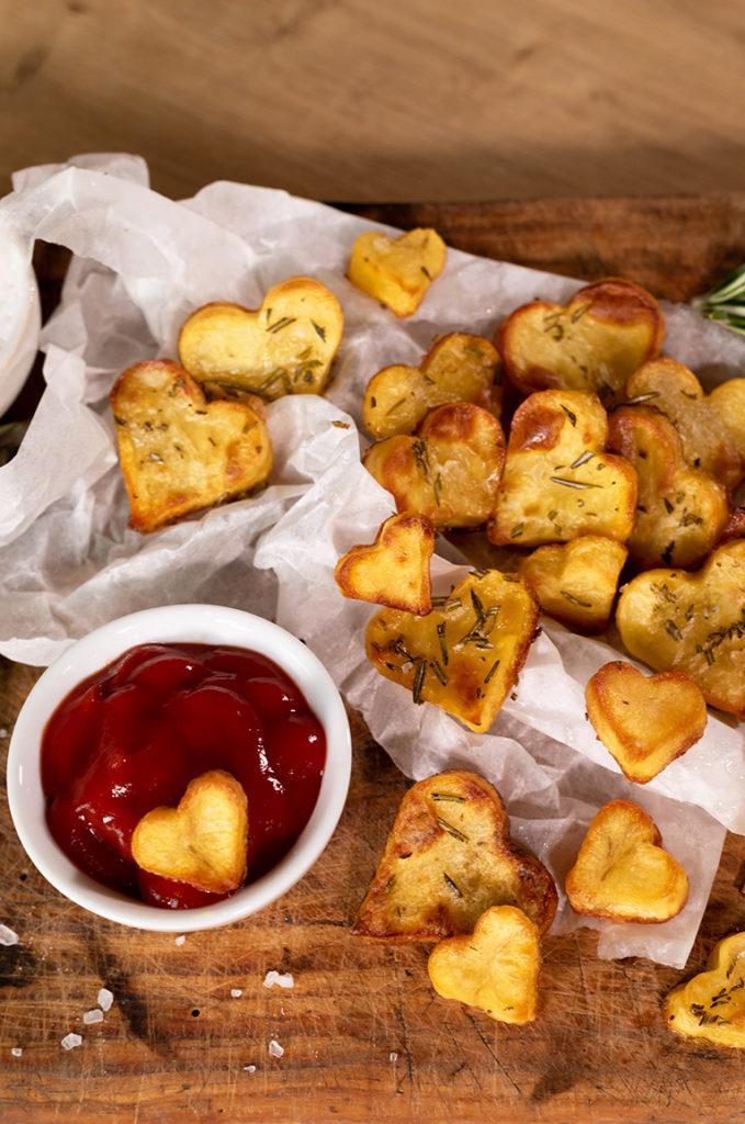 Knusprige Bratkartoffeln in Herzform aus dem Backofen nach einem Rezept von Sweets & Lifestyle®
