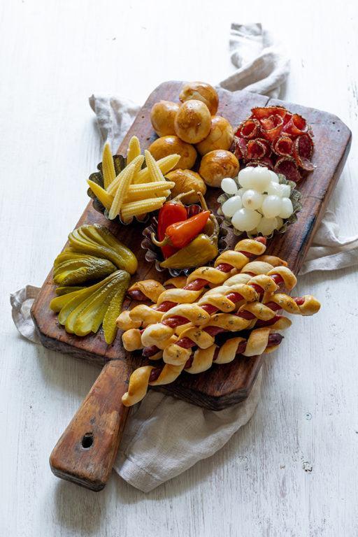 Salami Stangen im Schlafrock und Salami Pralinen im Schlafrock nach einem Rezept von Sweets & Lifestyle®