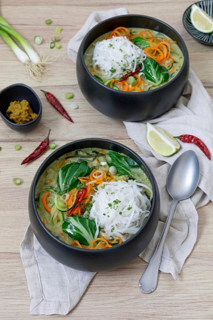 Schnelles grünes Thai Curry als leckeres schnelles Abendessen nach einem Rezept von Sweets & Lifestyle®