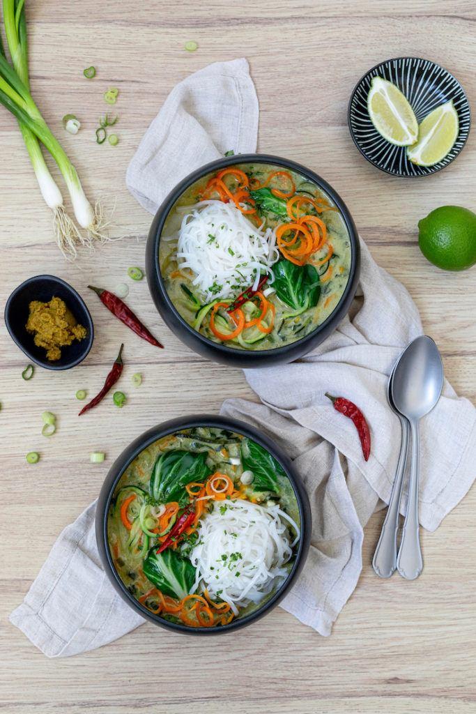 Vegetarisches grünes Thai Curry mit Mangold nach einem Rezept von Sweets & Lifestyle®