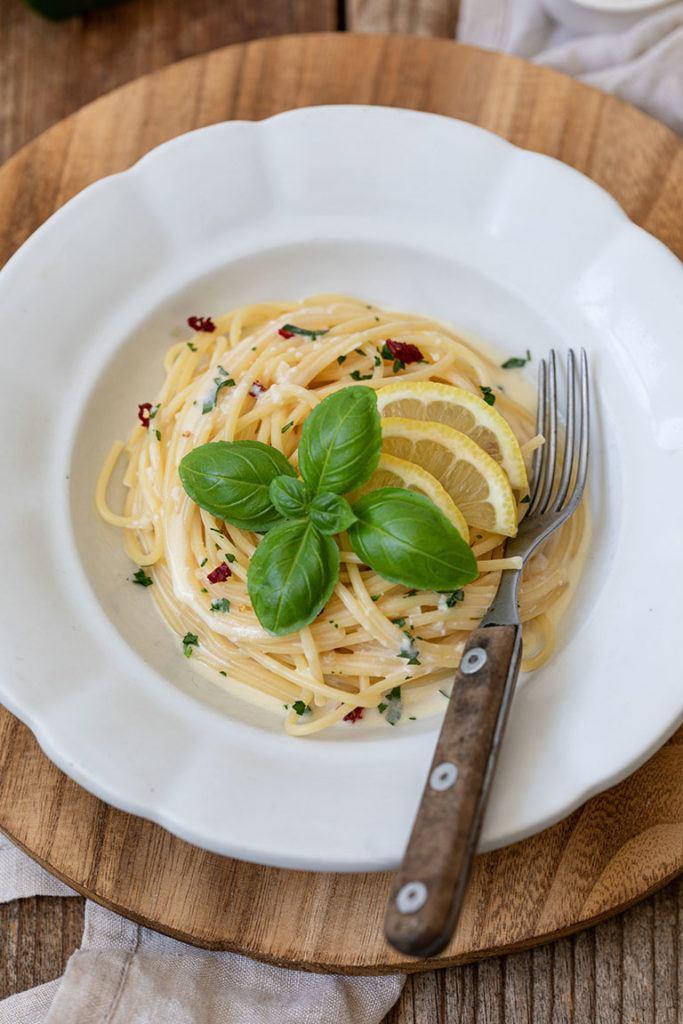Leckere Zitronenspaghetti mit Sahne nach einem Rezept von Sweets & Lifestyle®
