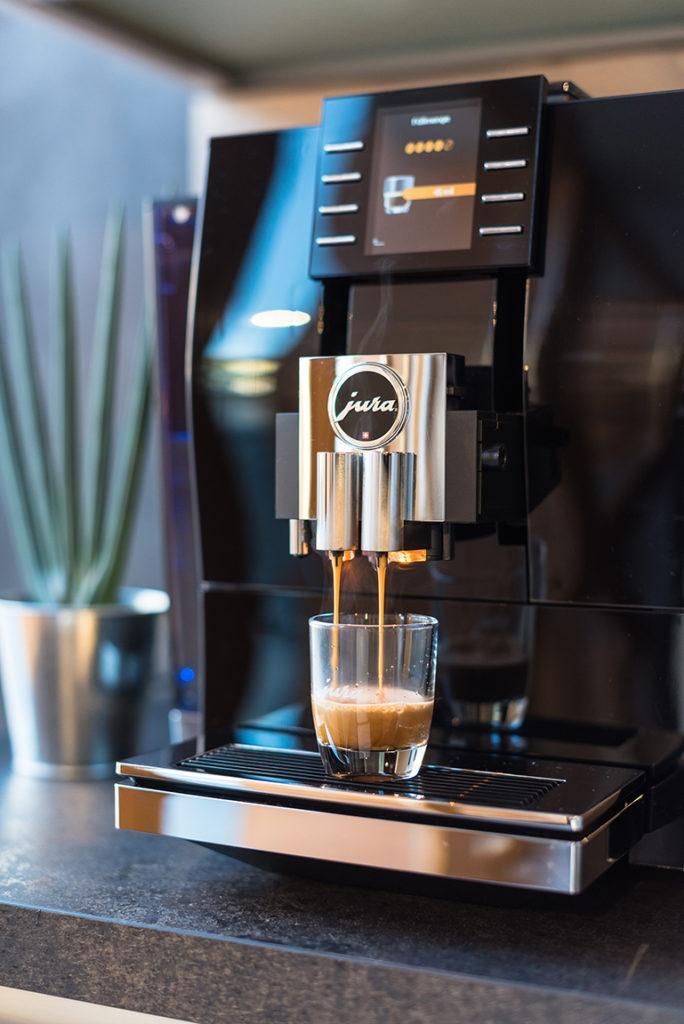 Jura Z6 Kaffeevollautomat im SchlossStudio von Verena Pelikan im Schloss Coburg zu Ebenthal