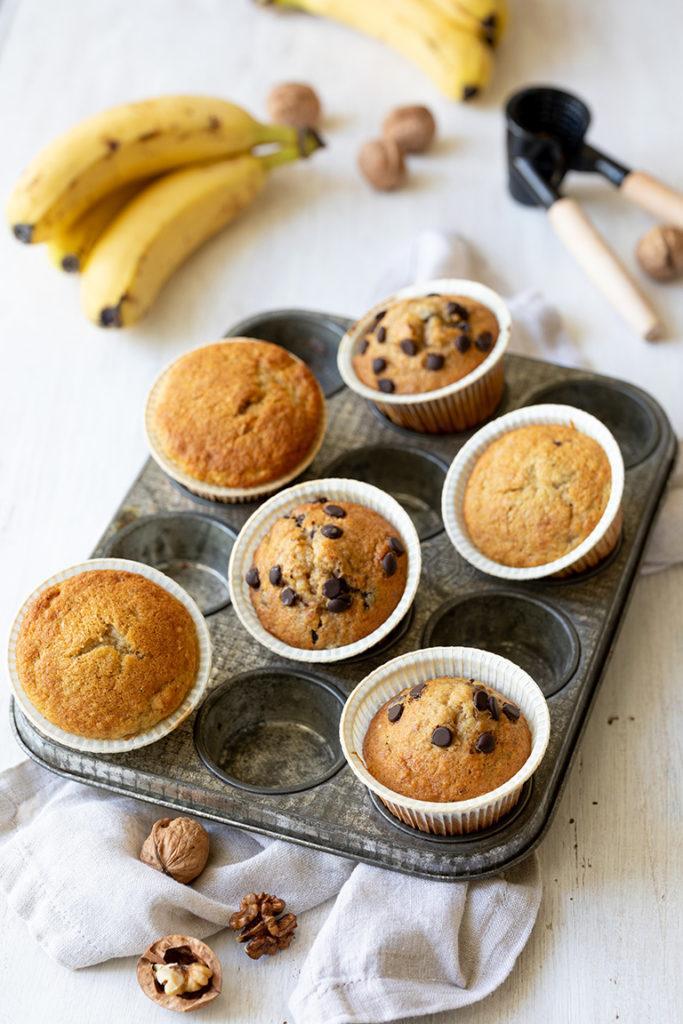 Saftige Bananen Walnuss Muffins mit Schoko nach einem Rezept von Sweets & Lifestyle®