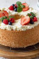 Rezept für einen luftigen Angel Food Cake zur Eiweißverwertung von Sweets & Lifestyle®
