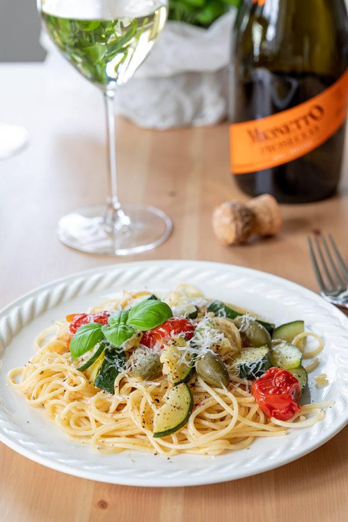 Schnelle Pasta mit Zucchini und Weißweinsauce nach einem Rezept von Sweets & Lifestyle®