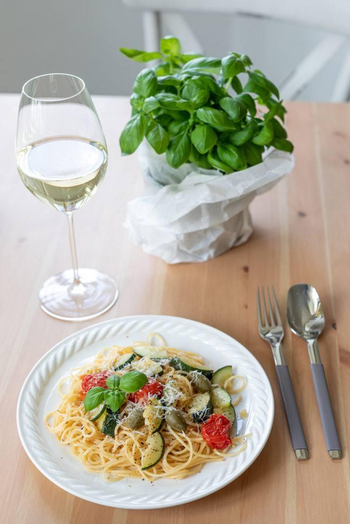 Schnelle Spaghetti mit Zucchini und Weissweinsauce nach einem Rezept von Sweets & Lifestyle®