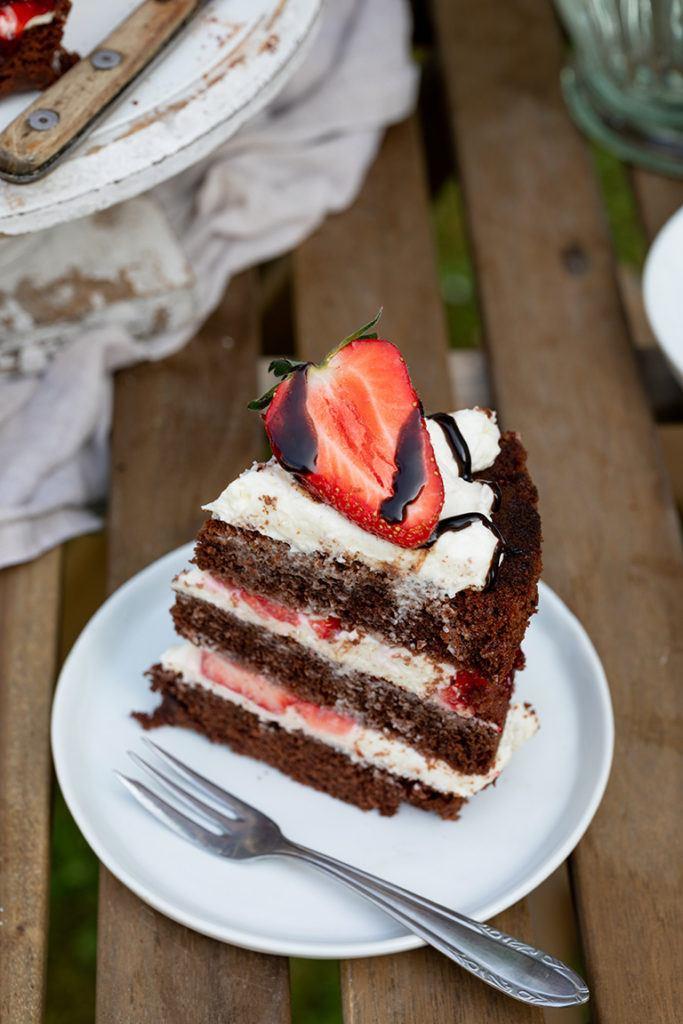 Ein Stück Schoko Erdbeer Torte nach einem Rezept von Sweets & Lifestyle®
