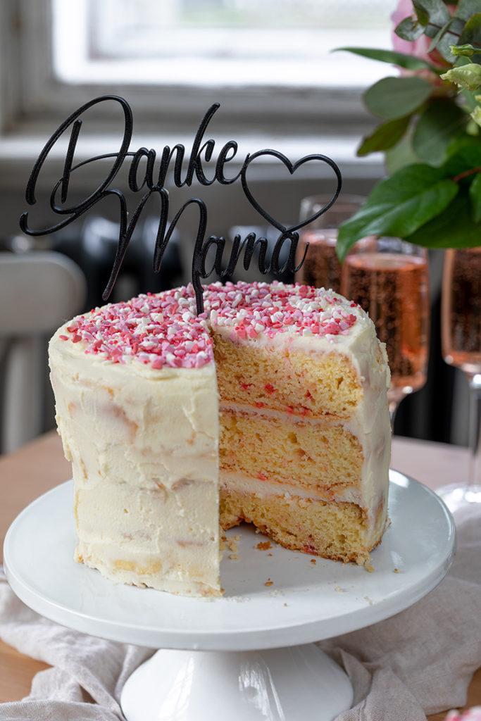 Leckere Konfetti Torte als Geburtstagskuchen nach einem Rezept von Sweets & Lifestyle®