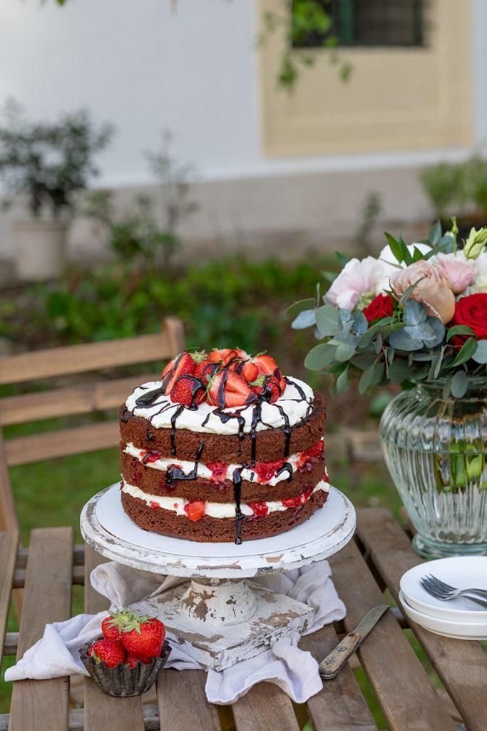 Leckere Schoko Erdbeer Torte mit erfrischender Mascarpone-Topfen-Creme nach einem Rezept von Sweets & Lifestyle®