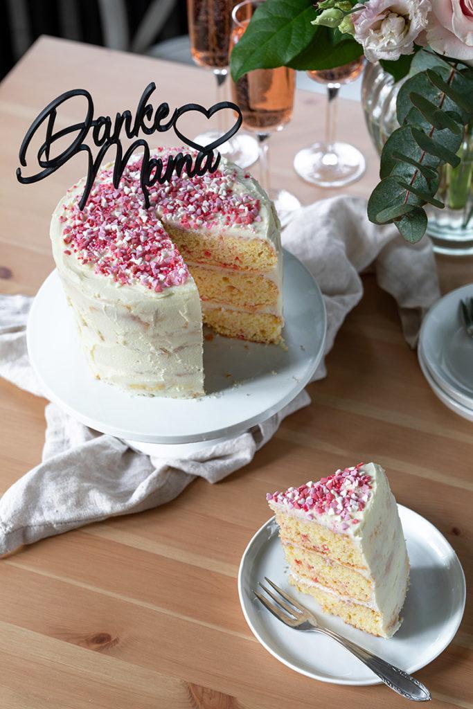 Leckerer Funfetti Cake als Muttertagstorte nach einem Rezept von Sweets & Lifestyle®