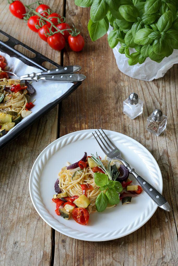 Schnelle Pasta mit Ofengemuese nach einem Rezept von Sweets & Lifestyle®