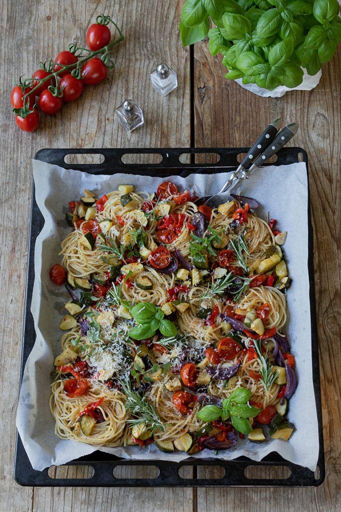 Spaghetti Nudeln mit Ofengemüse nach einem einfachen und leckeren Rezept von Sweets & Lifestyle®