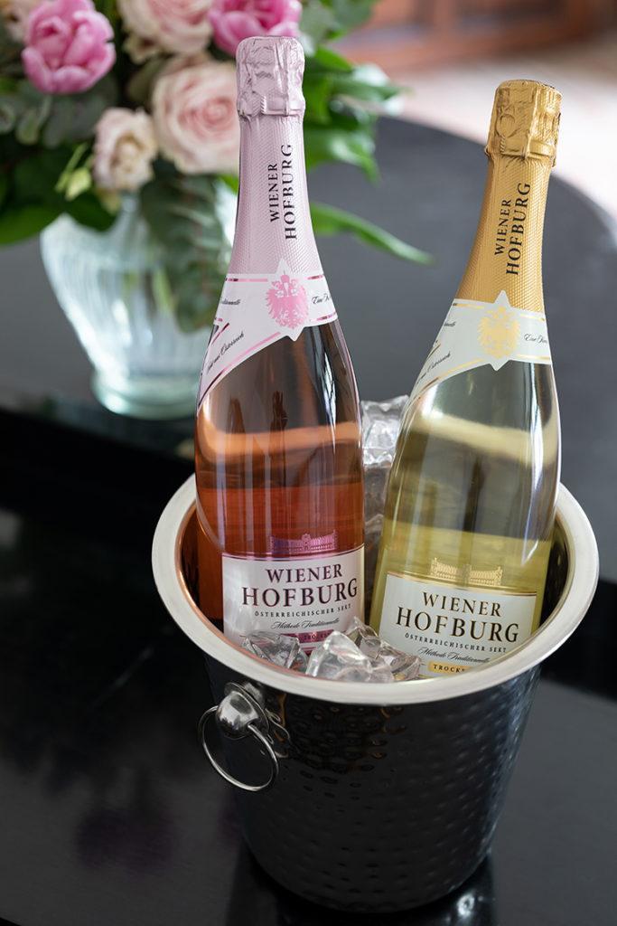 Wiener Hofburg Sekt in zwei Sorten Rosé trocken und trocken aus dem Hause Henkell Freixenet in Zusammenarbeit mit Norbert Szigeti